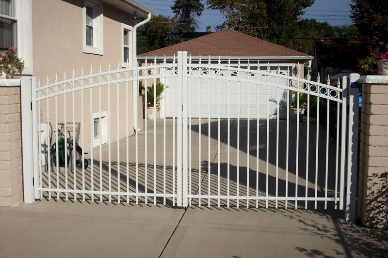 Photo of aluminum fence installed by First Fence Company in Hillside, IL