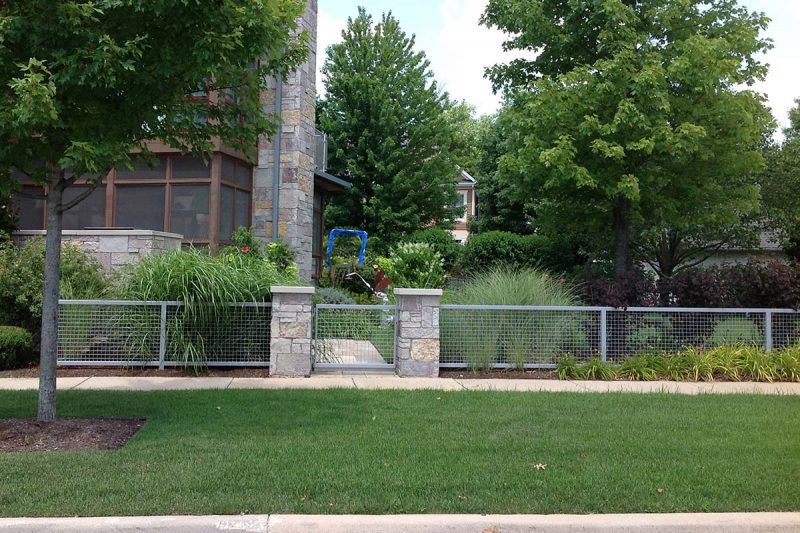 Chicago Pillar Install Mason Pillars Quarry Pillars