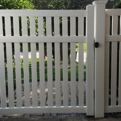 Photo of a Havana semi-private vinyl gate installed by First Fence Company in Hillside, IL