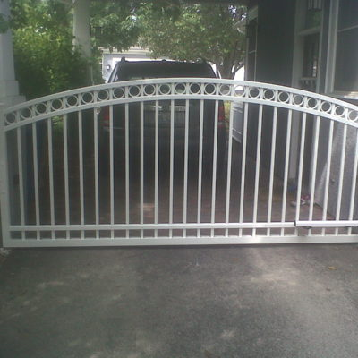 Residential single gate aluminum fence
