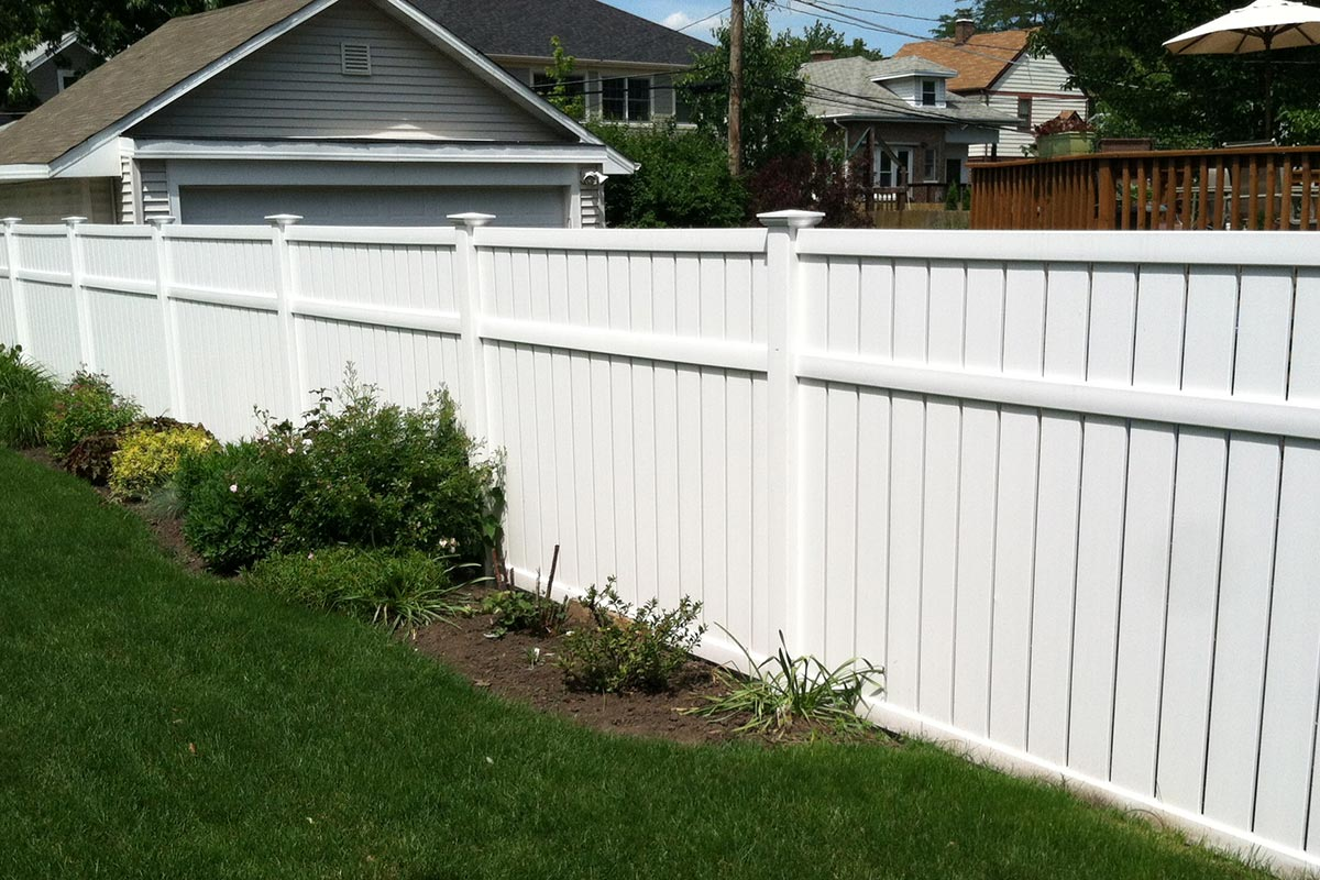 Vinyl pvc fences chicago fence installation company